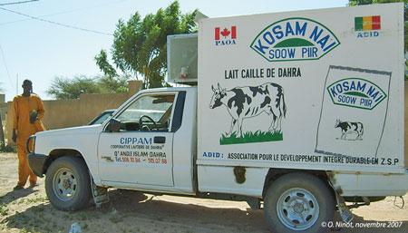 Sénégal-La filière lait, du global au local-Ce qui reste du lait à Dahra-Le véhicule réfrigéré de collecte de l'ADID